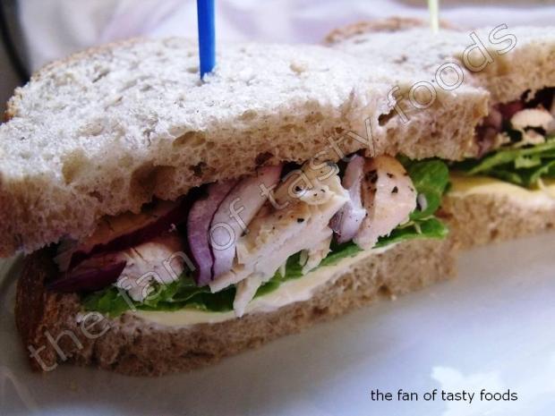 çavdar ekmekli soğuk sandviç