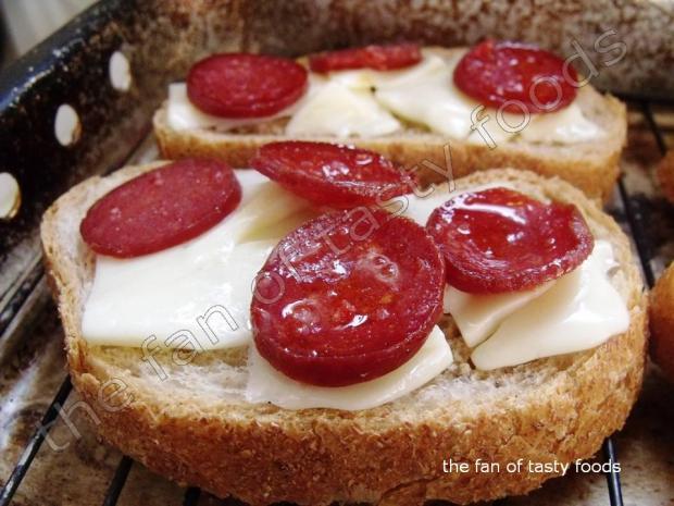 sucuklu tost