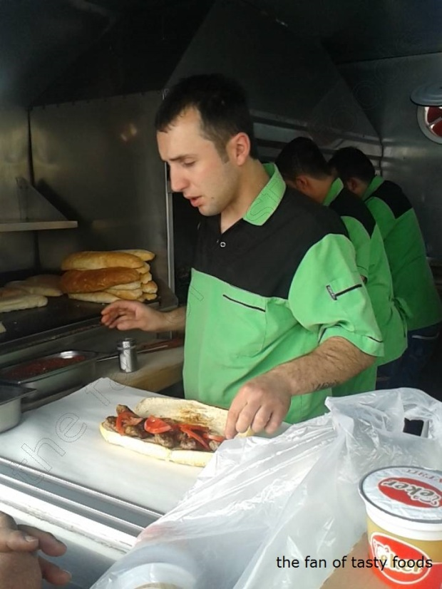 bizim köfteci servis